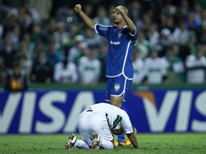 Alex perdeu pênalti, e Coritiba foi eliminado da Copa do Brasil pelo Nacional Foto: Heuler Andrey/Agif / Gazeta Press