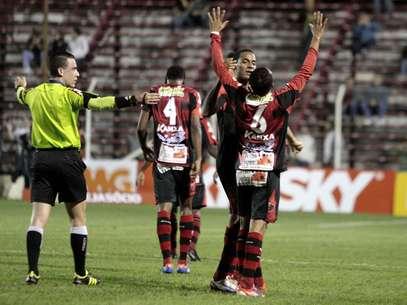 Oeste chegou aos cinco pontos na Série B Foto: José Luís Silva / Futura Press