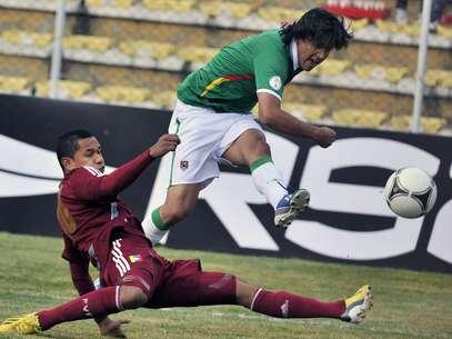 Marcelo Moreno foi bastante acionado, mas não conseguiu ajudar a Bolívia em casa Foto: AFP