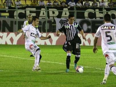 Ceará e Figueirense ficaram no 1 a 1 Foto: LC Moreira / Futura Press