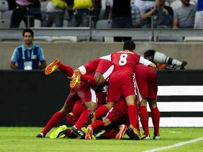 Taiti realizou sonho e comemorou unido o gol que empolgou o Mineirão Foto: Bruno Santos / Terra