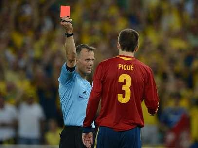 Piqué foi expulso no segundo tempo após falta dura em Neymar Foto: Daniel Ramalho / Terra