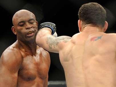 Weidman afirmou que Anderson Silva faltou com respeito e que ele colocou o brasileiro no lugar dele Foto: AP