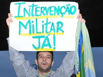 Protesto partiu do vão livre do Masp e seguiu pela avenida Paulista Foto: J. Duran Machfee / Futura Press