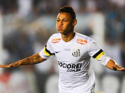 Neilton é o principal destaque do Santos no Campeonato Brasileiro; atacante já marcou quatro gols e pode interessar ao Tottenham Foto: Djalma Vassão / Gazeta Press