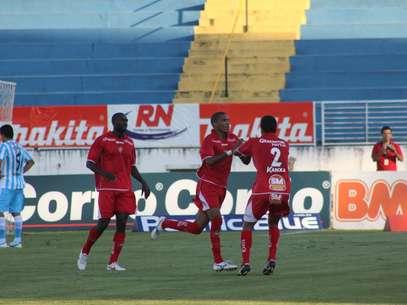 Boa teve chances de marcar ainda mais gols na vitória Foto: Pakito Varginha / Futura Press