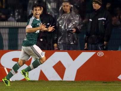 Valdivia voltou a se destacar pelo Palmeiras na Série B Foto: Cristiano Andujar / Agência Lance