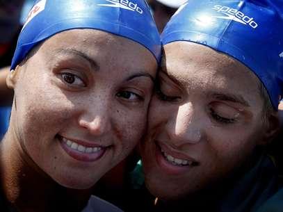 Brasileiras já haviam subido no pódio na prova dos 5 km, no sábado Foto: EFE
