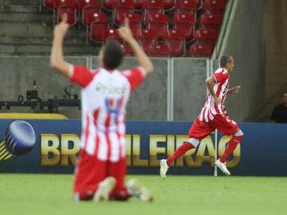 Equipe conquistou grande resultado já quando jogo se encaminhava para o fim Foto: Otavio Souza / Agif / Gazeta Press