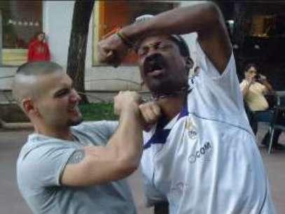 Preso em Americana, Antônio havia postado foto enforcando um homem, em Belo Horizonte Foto: Reprodução