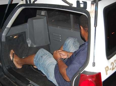 O pastor foi preso por volta das 16h30, na casa dos pais, em Araçatuba, cidade próxima a Birigui, onde ele estava morando desde que sua mulher o expulsou de casa  Foto: Chico Siqueira / Especial para Terra
