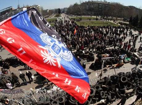 Rebeldes pró-russos anunciam governo provisório em Donetsk