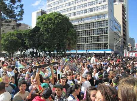 Segundo cálculo atualizado da PM, 120 mil pessoas participaram da marcha - Foto: Joyce Carvalho / Especial para Terra