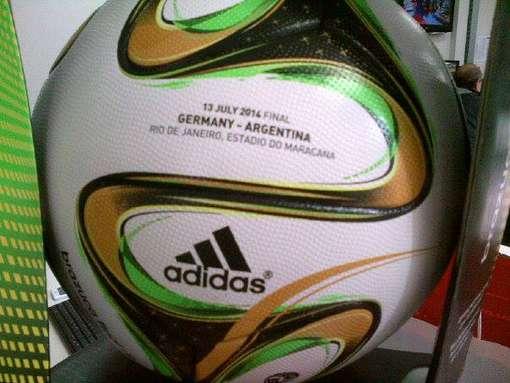 Exemplar da bola da final da Copa do Mundo    Foto: Blog do Boleiro