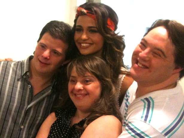 A Nanda, o Breno, a Rita e eu nos bastidores do Altas Horas
