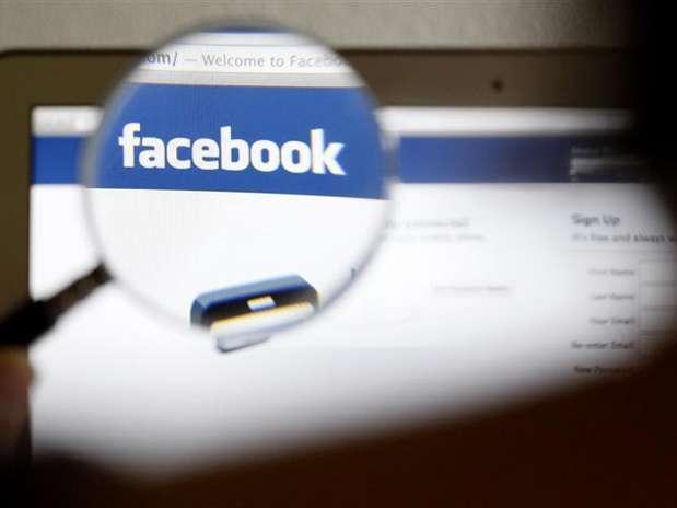 Facebook é o site mais acessado no Brasil, com o dobro da participação na comparação entre dezembro de 2012 e de 2011 Foto: Thomas Hodel / Reuters