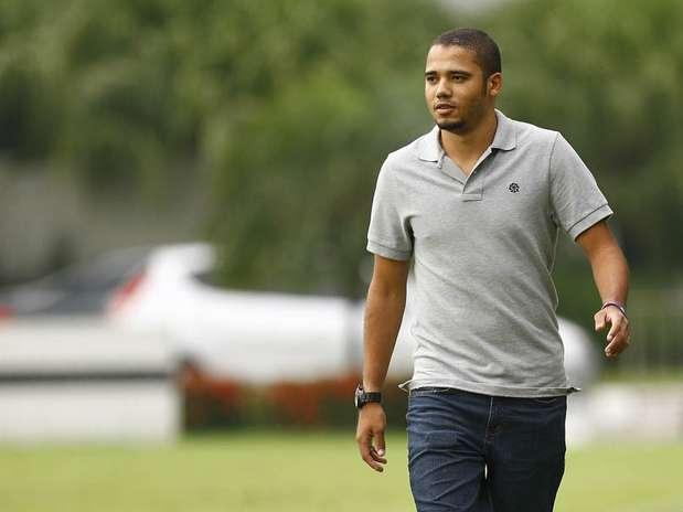 Adriano deve fechar contrato de três anos com o Grêmio Foto: Ricardo Saibun/Divulgação / Divulgação
