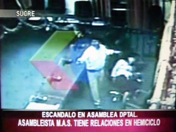 As imagens foram exibidas por emissoras de televisão da Bolívia Foto:  / AFP