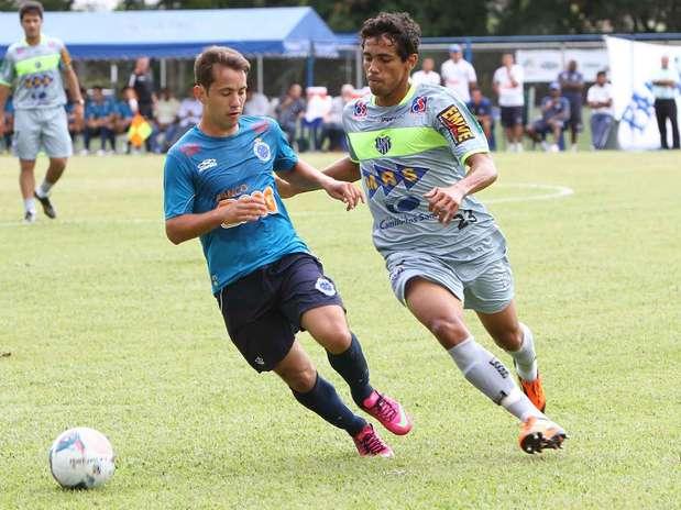 Em campo, time celeste venceu o Tupi por 3 a 1 Foto: Denilton Dias/Vipcomm / Divulgação