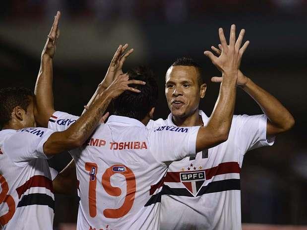 São Paulo não teve dificuldade diante dos bolivianos Foto: Ricardo Matsukawa / Terra