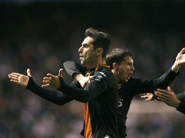 Jonas marcou logo no primeiro minuto de jogo Foto:  / EFE