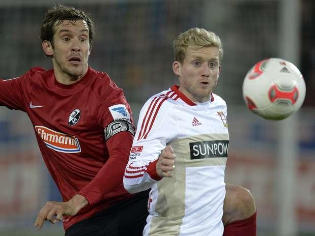 Leverkusen pode ver Bayern disparar na classificação do Alemão Foto:  / AP