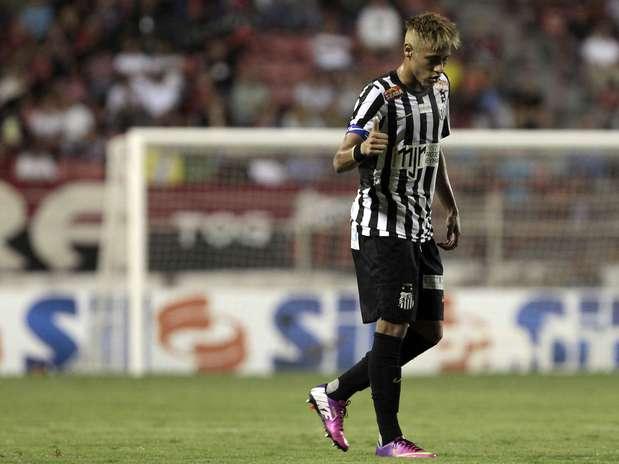 Neymar se envolveu em polêmica novamente. Ele acusou o técnico do Ituano de racismo, mas Roberto Fonseca negou que tenha chamado o atacante de \