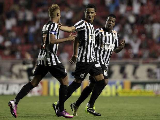 Recém-contratado, Cícero fez seu terceiro gol com a camisa do Santos Foto: Miguel Schincariol / Agência Lance