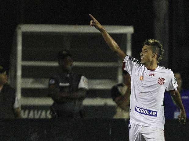 Com gol de Hugo, o Bangu surpreendeu o Vasco em São Januário e venceu por 1 a 0 neste domingo, pelo Campeonato Carioca Foto: Wagner Meier/Agif / Gazeta Press