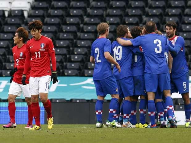 Croatas comemoram gol contra Coreia do Sul noEstádio Craven Cottage, em Londres Foto: Reuters