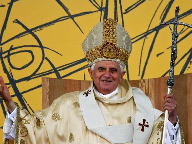 Bento XVI reza missa em Aparecida (SP) durante sua única visita ao Brasil, em 13 de maio de 2007 Foto: AFP