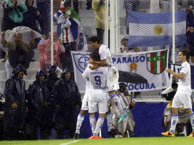 Vélez Sarsfield derrotou Iquique por 3 a 0 e assumiu a vice-liderança do Grupo D, com três pontos em dois jogos Foto: Reuters