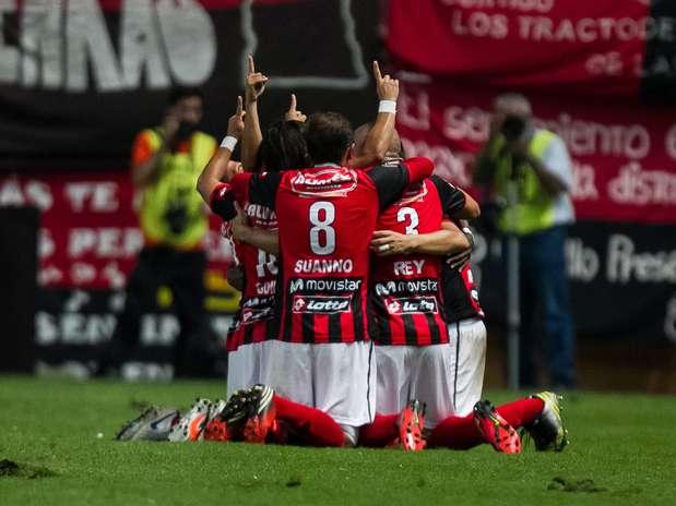 Jogando em casa, Deportivo Lara derrotou o Newell's Old Boy por 2 a 1 e embolou Grupo G; times têm três pontos em duas rodadas Foto: EFE