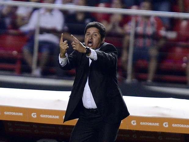 Eduardo Villegas já fez estágio com Felipão, duas vezes campeão da Libertadores e de quem tenta buscar inspiração Foto: Ricardo Matsukawa / Terra