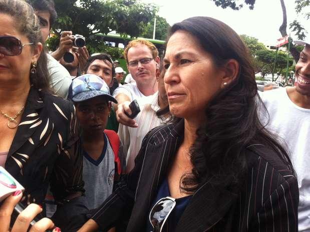 Sônia de Fátima Moura, mãe de Eliza Samudio, acompanhou ojulgamento de Bruno e Dayanne em Contagem Foto: Ney Rubens / Especial para Terra