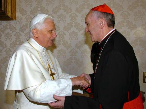 Bergoglio com o papa Bento XVI em imagem de janeiro de 2007 Foto: AFP