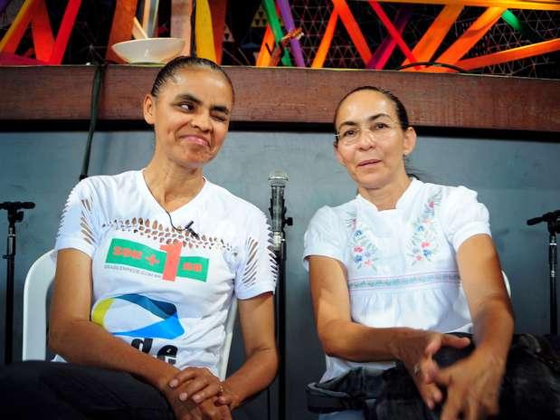 Marina Silva, com apoio de Heloísa Helena, fez um esforço para reunir assinaturas para seu novo partido no Rio Foto:  Luiz Roberto Lima / Futura Press