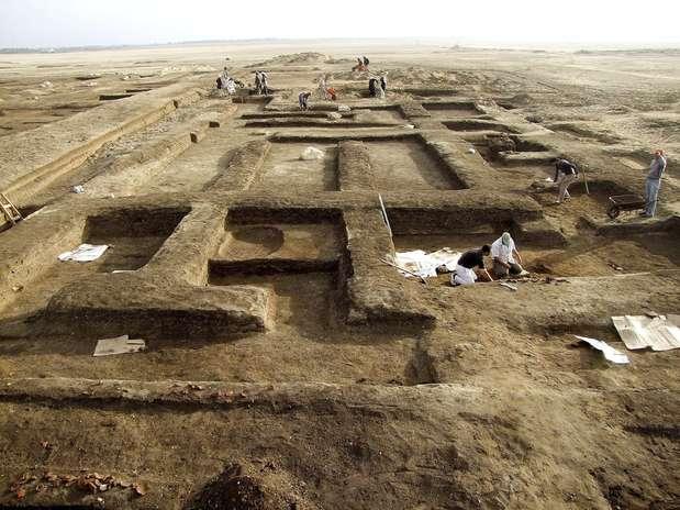 Vestígios de enormes construções foram encontrados no Sinai pelos egípcios Foto: EFE
