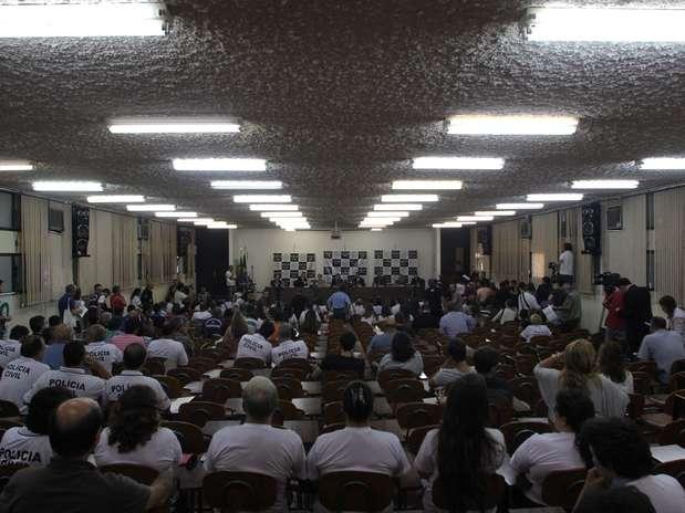 Policiais civis concederam entrevista coletiva na tarde desta sexta-feira em Santa Maria (RS) sobre o indiciamento criminal de 16 pessoas pela tragédia na boate Kiss Foto:  Rafael Happke / Futura Press