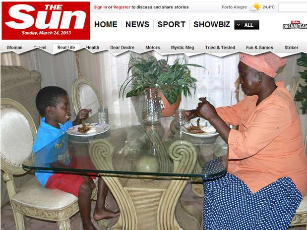 Sanele Masilela e Helen Shabangu casaram-se no dia 12 de março, a pedido do avô do menino Foto: The Sun / Reprodução