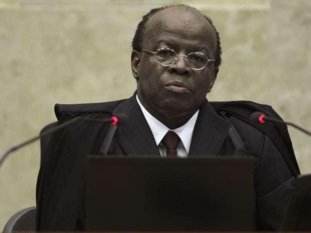 Réus pediram a saída do presidente do STF, ministro Joaquim Barbosa, da relatoria do processo do mensalão Foto: Ueslei Marcelino / Reuters