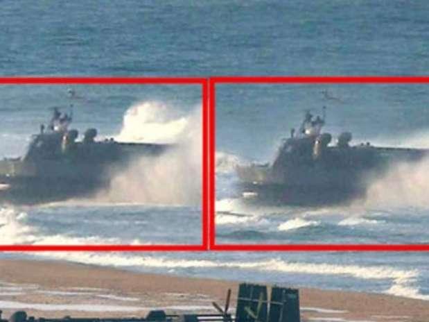 Em imagem ampliada, o The Guardian diz que é visível a falta de pixels no aerodeslizador da direita  Foto: The Guardian / AFP