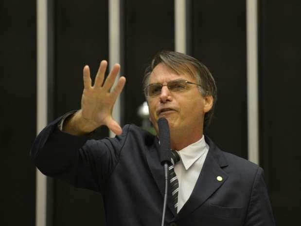 Deputado chamou a ministra da Secretaria de Políticas para as Mulheres, Eleonora Menicucci, de 'sapatona', e afirmou que a presidente Dilma Rousseff não tem 'compromisso nenhum com a família' Foto: Wilson Dias / Agência Brasil