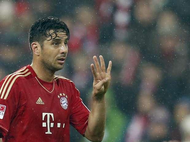 Com quatro de Claudio Pizarro, time bávaro aplicou goleada histórica e manteve vantagem de 20 pontos sobre Borussia Foto: AP