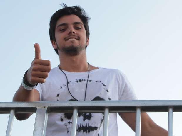 Rodrigo Simas disse que está solteiro e contou como lida com o posto de galã Foto: Francisco Cepeda / AgNews