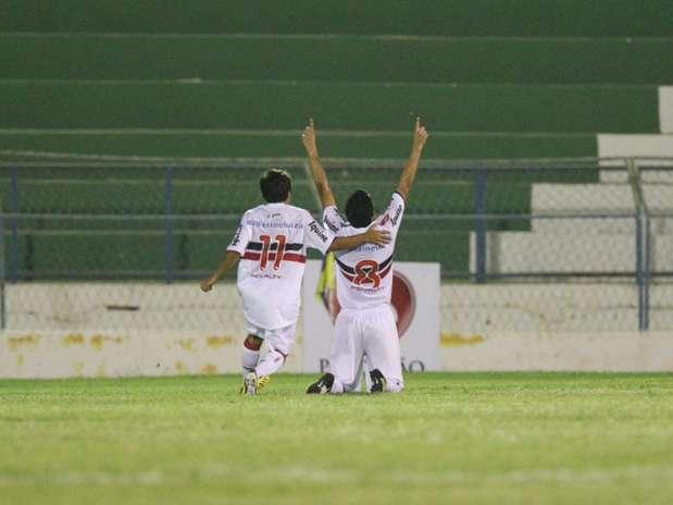 Em Juazeiro do Norte (CE), Santa Cruz venceu o Guarany por 2 a 1 e abriu boa vantagem para o jogo de volta Foto: Miséria.com / Futura Press