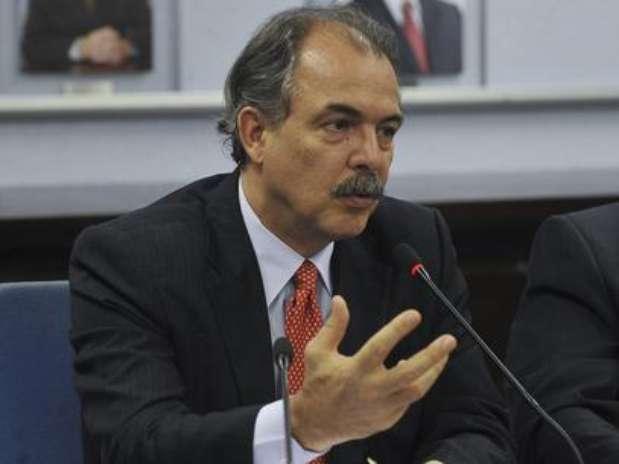 O ministro foi internado com quadro de dor Foto: Terra
