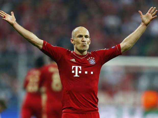 Robben celebra o terceiro gol do Bayern na goleada sobre o Barcelona Foto: Reuters