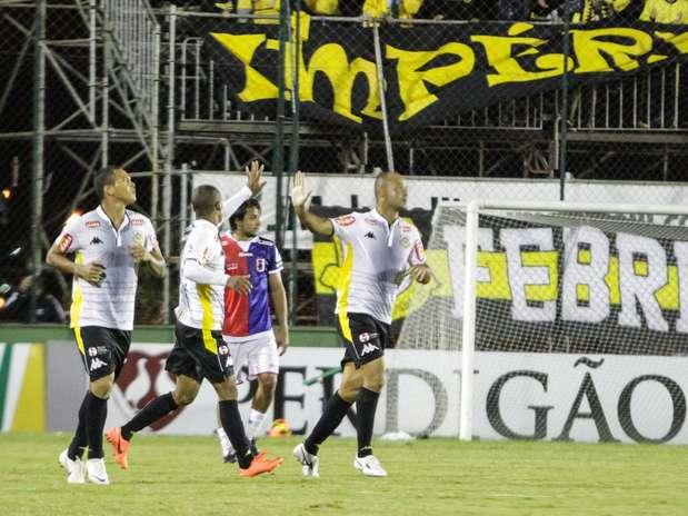 Com vitória em Curitiba, time paulista se classificou; na segunda fase, enfrenta o Criciúma Foto: Joka Madruga / Futura Press