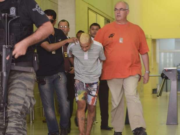Um adolescente de 17 anos e dois homens foram presos suspeitos de assassinar umadentista Foto: Tércio Teixeira / Futura Press
